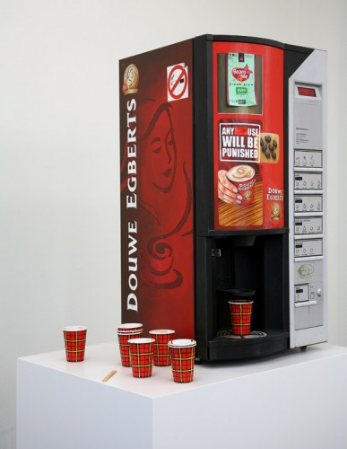 Rijks-Coffee-Machine---painted-sculpture---87-x-50-x-47-cm---2011